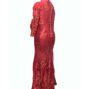 red yoyal gown with classic design